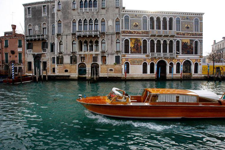 'Als ik me ergens op een plaats zou moeten terugtrekken voor de rest van mijn leven, dan zou dat Venetië zijn. Ondanks de drukte.' Beeld ANP