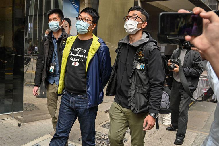De pro-democratische Ben Chung  is een van de meer dan vijftig arrestanten in Hongkong. Hen hangt levenslang boven het hoofd wegens 'staatsondermijning'.  Beeld AFP