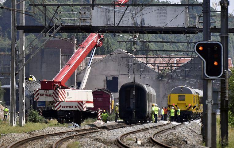 Beeld van het treinongeval in Saint-Georges-sur-Meuse. Beeld belga