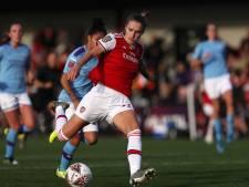 Arsenal herovert koppositie dankzij goal Miedema in topper tegen City