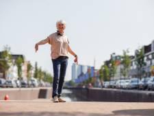 Handtekeningen naar gemeente Moerdijk: 'Zeemeermin hoort bij de haven'
