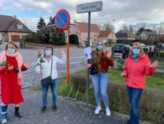 Sp.a viert Internationale Vrouwendag met rozen aan vrouwelijke straatnaamborden