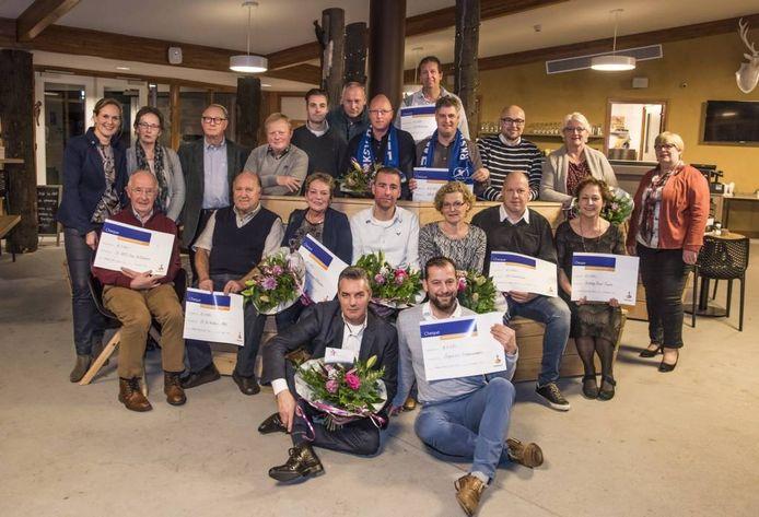 Acht projecten uit de gemeente Hellendoorn ontvingen samen 22 mille van de Rabobank.