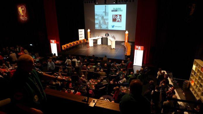 Theater Midi, voor aanvang van het lijsttrekkersdebat in Tilburg.