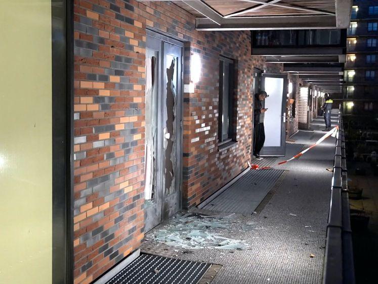 Politie onderzoekt explosie bij portiekwoning Rotterdam-Zuid