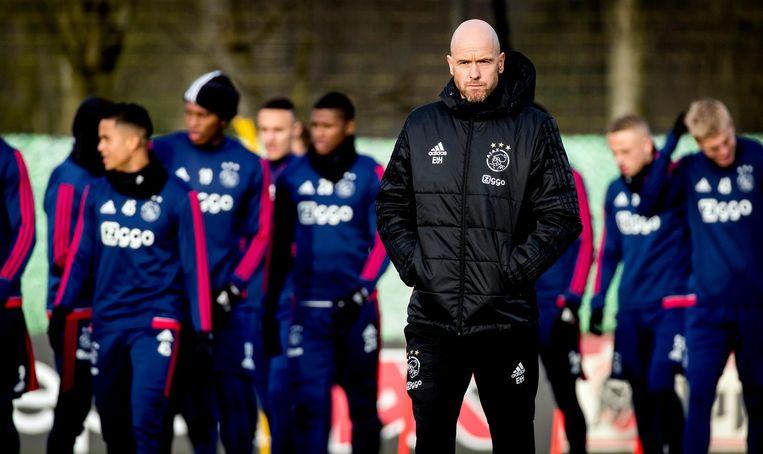 Ten Hag tijdens een training van Ajax Beeld ANP