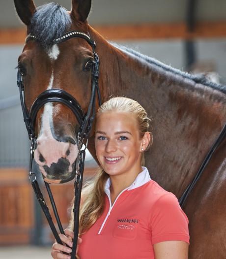 Esmée Donkers uit Venhorst genomineerd voor ruiterprijs