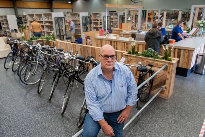 Geert Heesakkers, medewerker bij Vindingrijk aan de Afrikalaan.