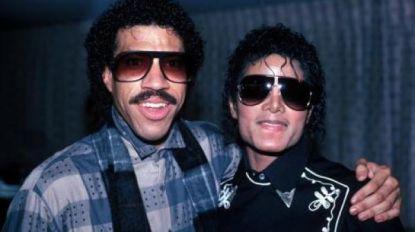 Lionel Richie maakt nieuwe versie 'We Are The World'