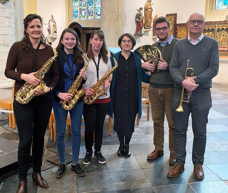 De muziek werd gebracht door Els, Esther, Marit, Jef en Francis.