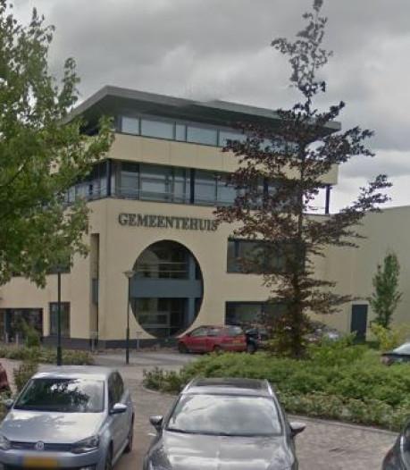 Gemeentehuis van Strijen als enige nog 'toekomstloos'