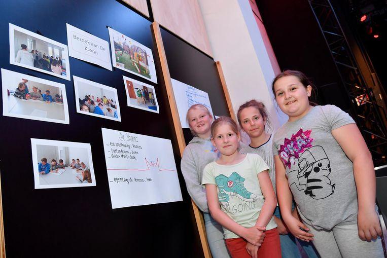 De kindergemeenteraad stelde de projecten waar ze aan gewerkt hebben voor.