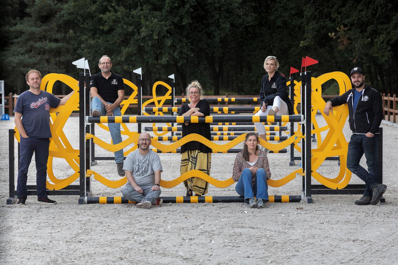 Van links naar rechts: Leon van der Elsen, Stefan van der Heijden, Gabriel van Eekelen, Paulien Beumer, Margon Gerlings, Annemarie Evers en Rob van Berlo