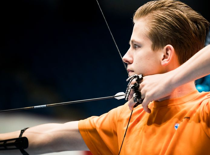 Jan van Tongeren tijdens het NK Handboogschieten.NK.