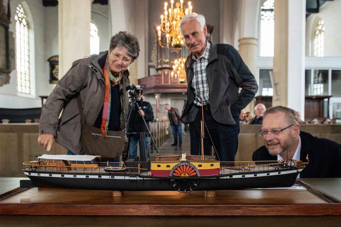 In de geertruidskerk werd modelboot Stad Geertruidenberg II onthuld.