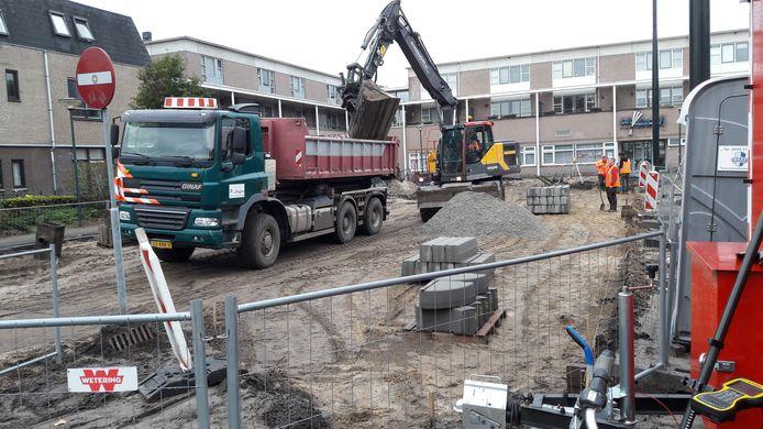 Het plein voor het Zeelandse gemeenschapshuis De Garf gaat op de schop.