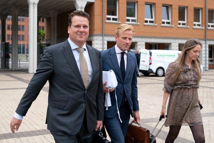Koen Slippens, topman van Sligro in Veghel, arriveert in juni 2020 samen met advocaat Jan Willem De Groot bij de rechtbank in Den Bosch om te getuigen in de EMTE-zaak die plaatsgenoot Jumbo samen met Coop heeft aangespannen tegen Sligro.