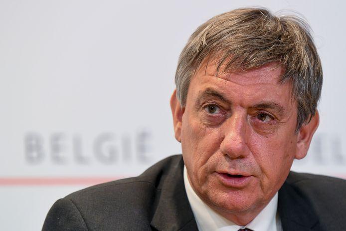 Het Overlegcomité van volgende vrijdag moet stevig versoepelen, vindt Jan Jambon (N-VA).