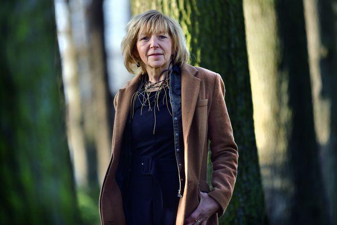 Elsbeth van Straaten-Noyons stopt na 16 jaar als raadsgriffier in Roosendaal.