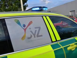 Fietsster (17) gewond na botsing met andere fietsster in Langemark-Poelkapelle