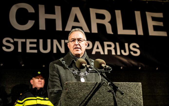 Aboutaleb houdt in 2015 een emotionele toespraak na de aanslag op Charlie Hebdo.