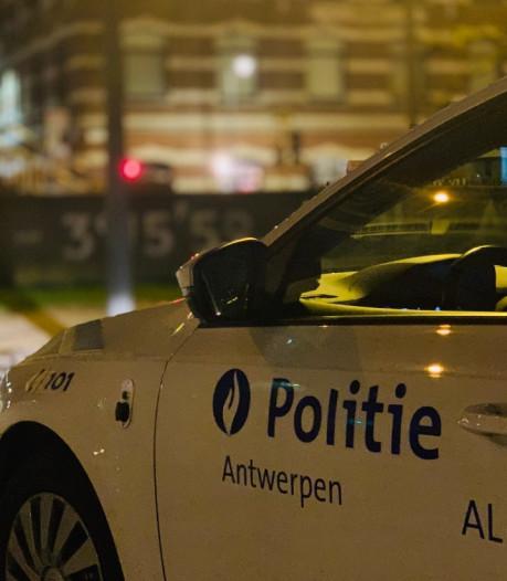 """Criminaliteit daalt met 40% tijdens quarantaine in Antwerpen: """"Wel piek agressie en geluidsoverlast tijdens lockdownfeestjes"""""""