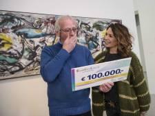 Dordtenaar in museum verrast met dikke cheque