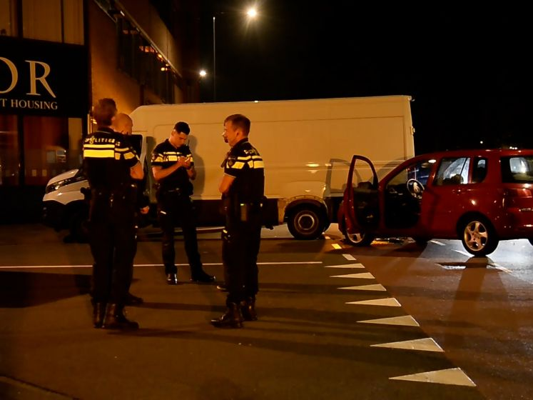 Botsing tussen auto en bestelbus in Breda