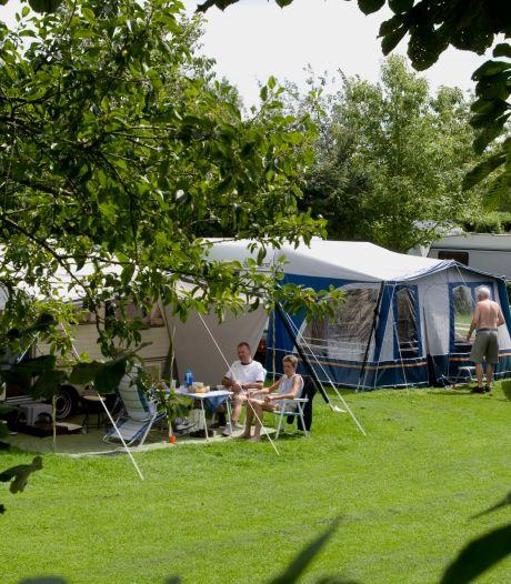 Drukte op de camping: landgenoten verkiezen de Liemers boven een tripje naar het buitenland