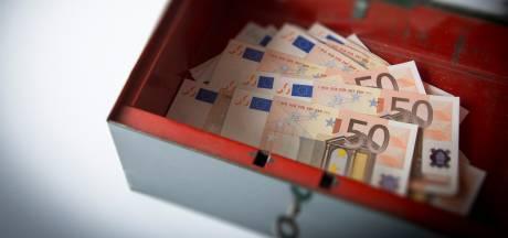 'Mantelzorgers' uit Valkenswaard plunderen rekening van beperkte man, vindt justitie