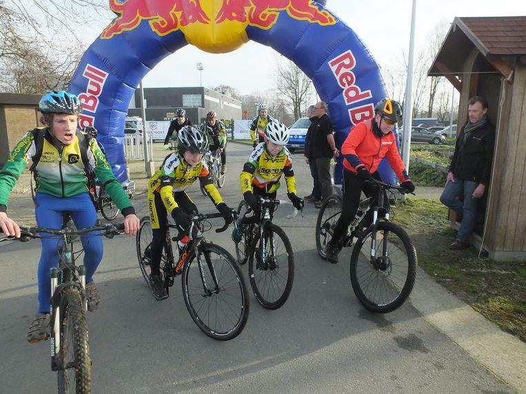 Jong en oud rijdt mee met de VTT Jan Filliers.