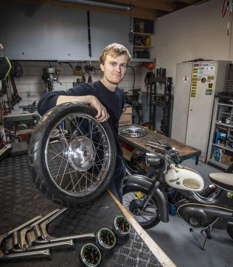 Nieuw avontuur voor Losserse brommergek Max ter Denge (22): 'Ik wilde geen gat voor mezelf graven'