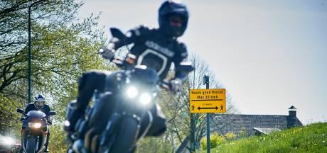 Motorverbod op Amstelkade in Nieuwkoop komt er niet: angst voor 'waterbedeffect'