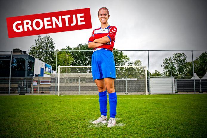 Puck Sprenkels voetbalt in haar vrije tijd bij FC Oudewater.