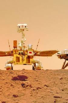 Chinese Marsrover deelt nieuwe foto's vanaf rode planeet, inclusief een selfie