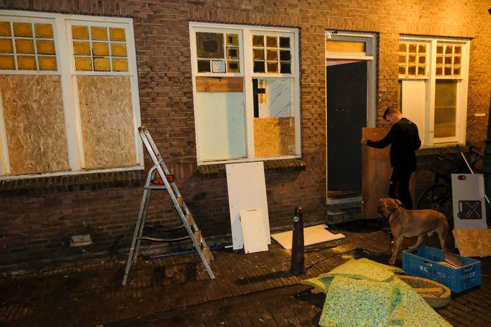 Ruiten sneuvelden door een vuurwerkbom in de Dortsmanstraat in Vlissingen. Die schade was voor de huiseigenaren, niet voor de gemeente.