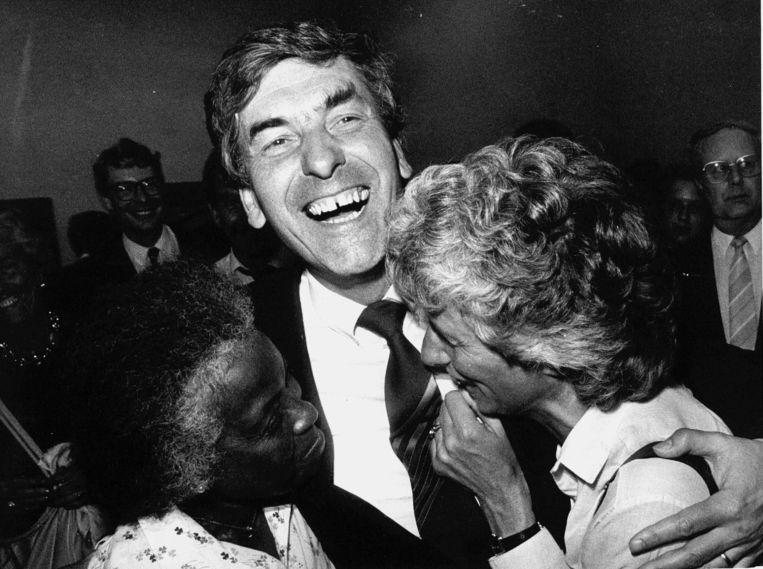 Oud-premier Ruud Lubbers en zijn Ria tijdens de verkiezingsavond van 1986 Beeld ANP