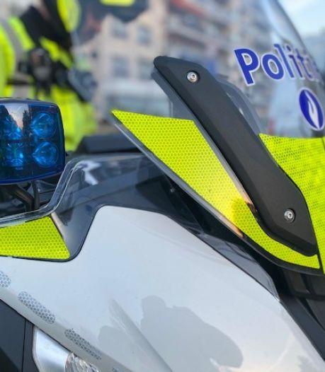 Dronken bestuurder vraag sigaret aan politie