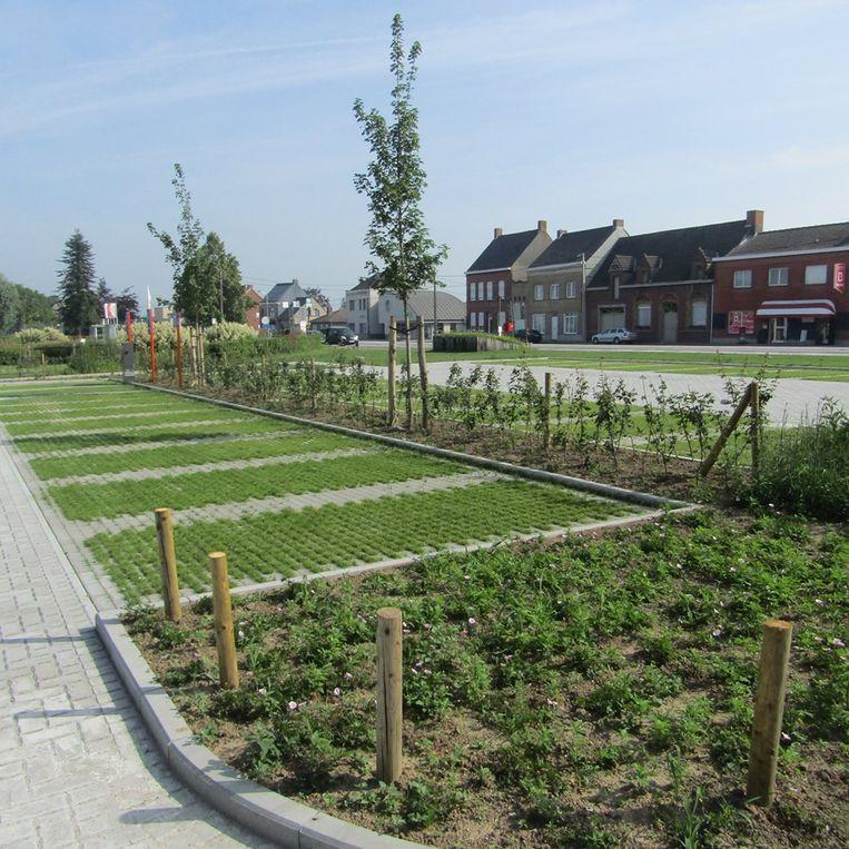 De parking van OC De Sceure werd onder handen genomen om de toegankelijkheid te verbeteren.