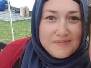 """Zeynep (39), juf en moeder van drie, verliest strijd tegen corona: """"Haar moeder is vorig weekend aan het virus overleden. Het is een intriest verhaal"""""""