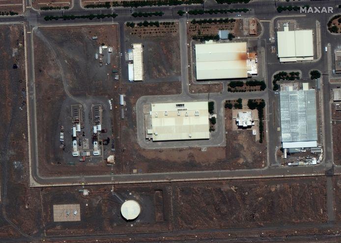Satellietbeelden die zijn gemaakt na een eerdere explosie.