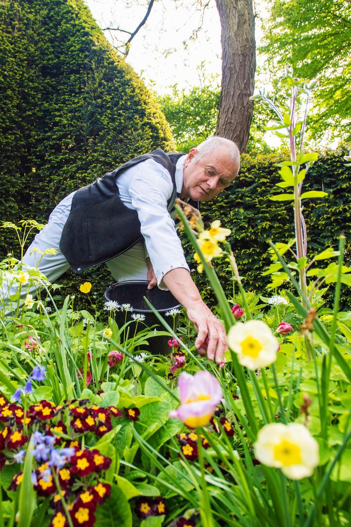 Altijd maar plantjes weghalen, ook dat is tuinieren.