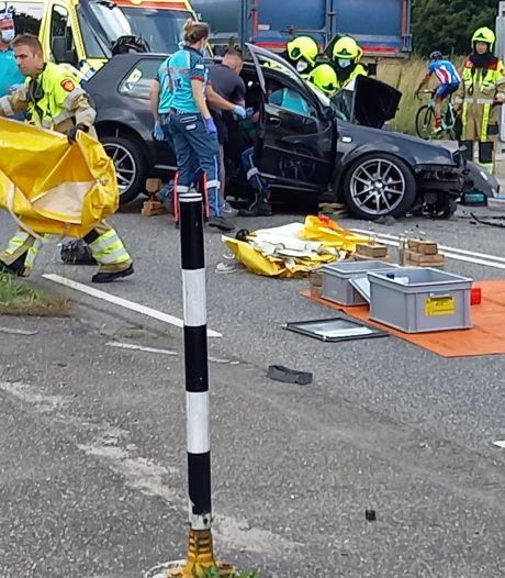 Ernstig ongeluk in Groesbeek: automobilist zwaargewond door botsing met vrachtwagen