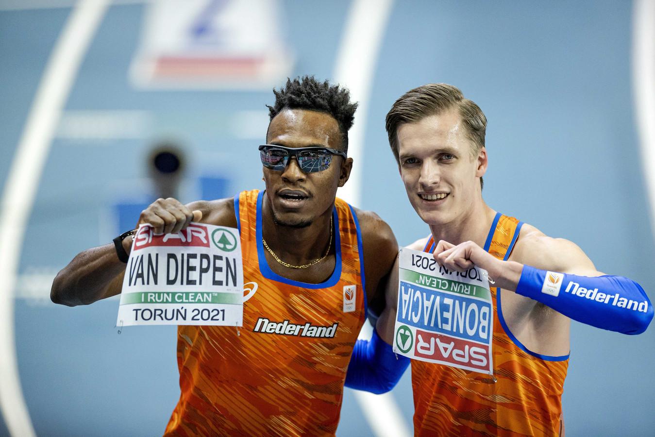 Liemarvin Bonevacia (links) en Tony van Diepen na afloop van de finale op het onderdeel 400 meter op de tweede dag van de Europese Kampioenschappen Indoor Atletiek.