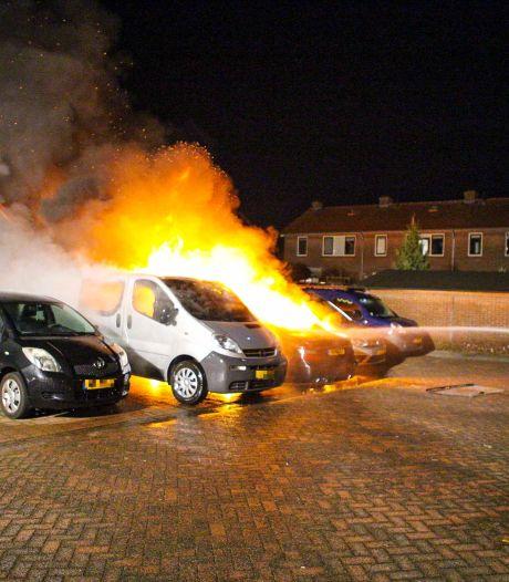 Drie auto's uitgebrand op parkeerplaats in Nijkerk