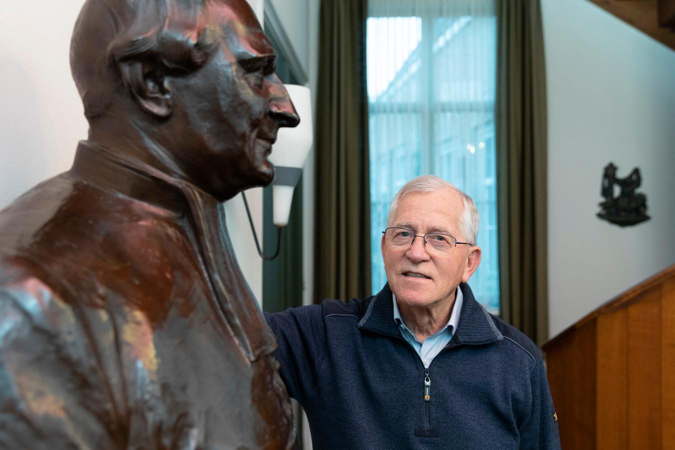 Broeder Theo van den Boer is de laatste broeder van Reinier van Arkel.