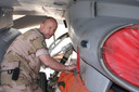 Harrie aan het werk met F 16.