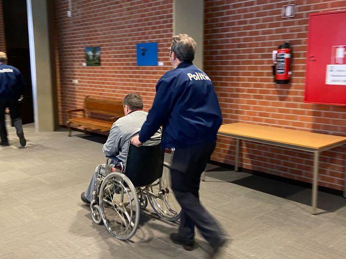 Oekraïner Andriy P. verscheen in een rolstoel voor de rechter