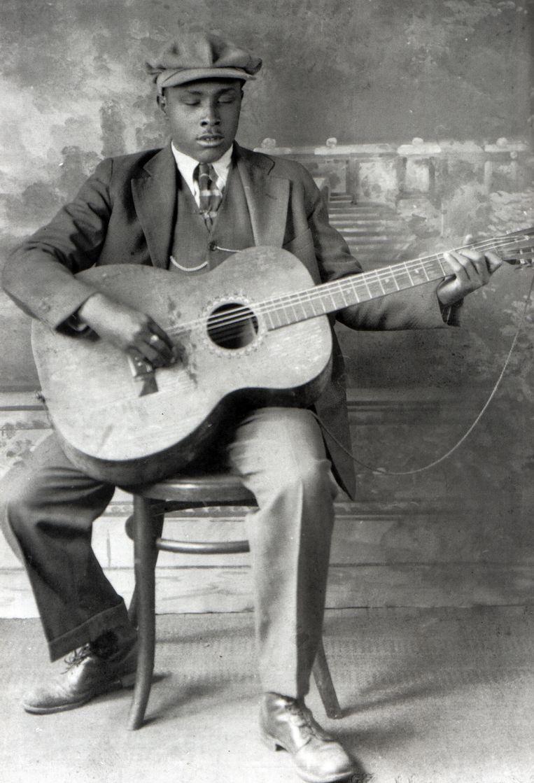 Blind Willie McTell (foto), Rubin 'Hurricane' Carter , Woody Guthrie: Bob Dylan maakte in zijn repertoire altijd plaats voor helden van allerlei slag. Beeld Redferns