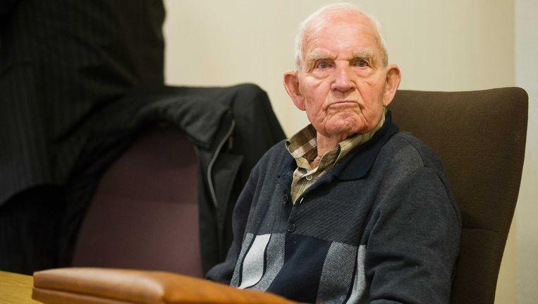 De officier van justitie in de Duitse stad Hagen heeft levenslang geeist tegen de Nederlandse oorlogsmisdadiger Siert Bruins. Beeld EPA